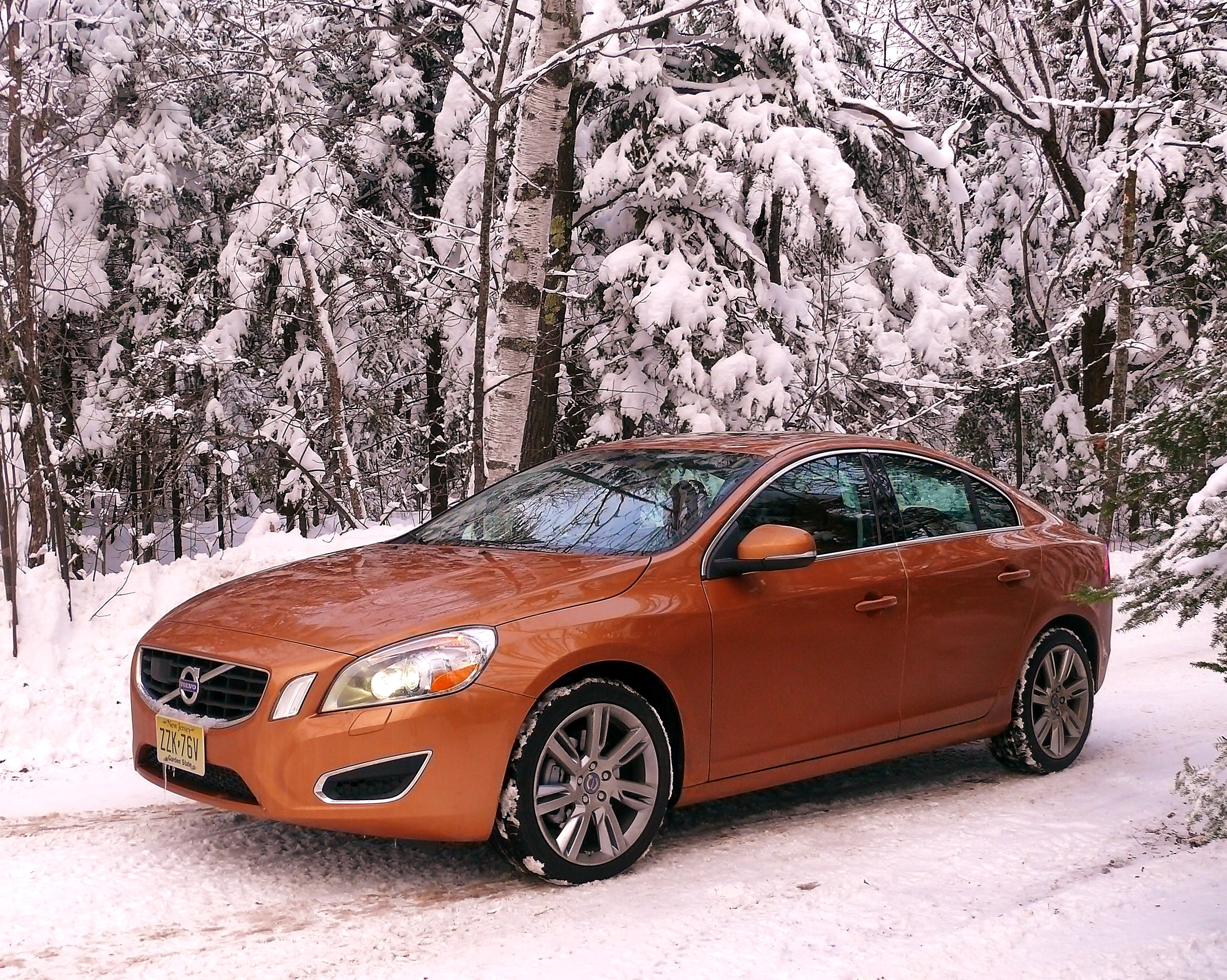 Volvo S60: Summer and winter tires