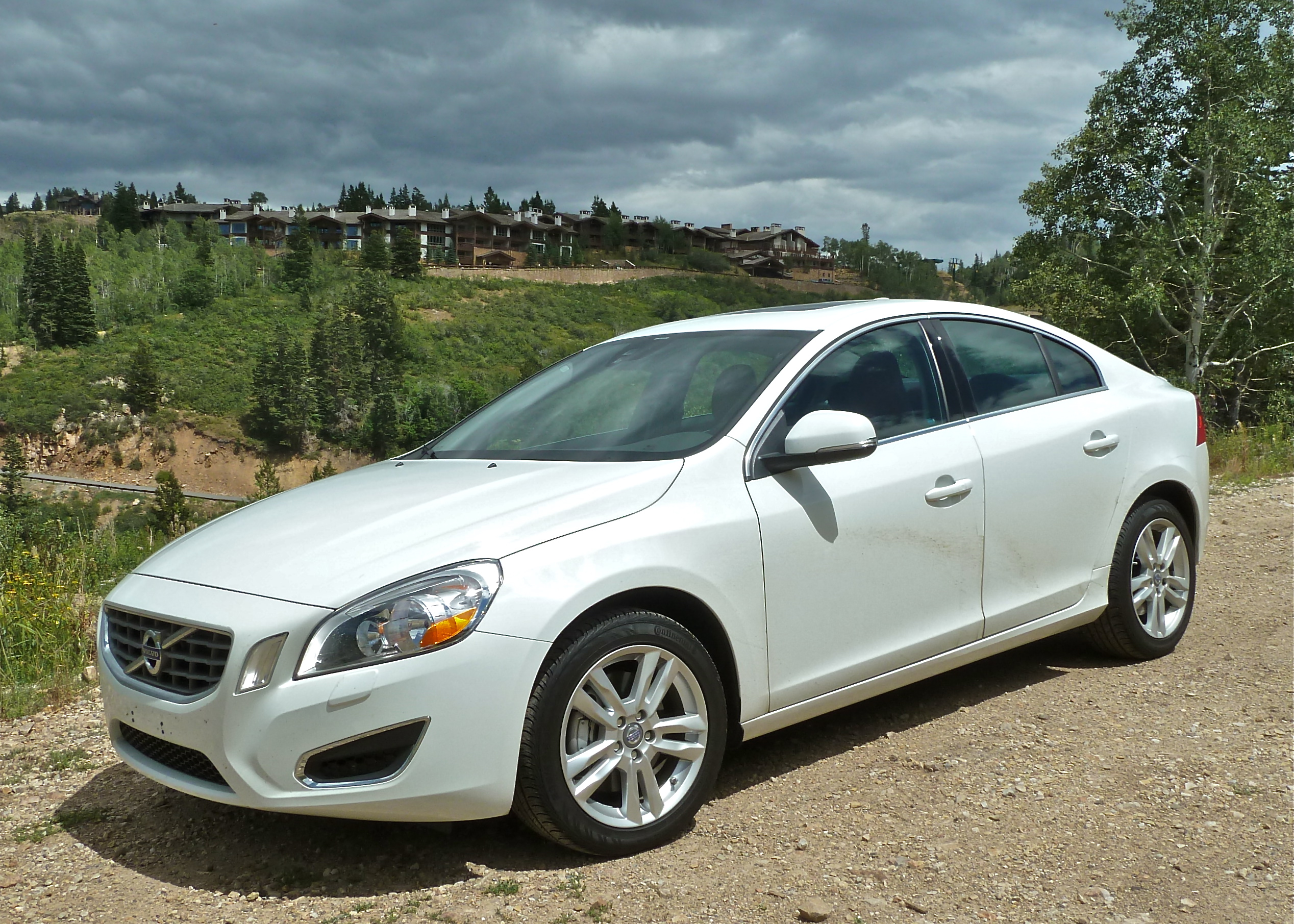 Volvo S60: Introduction