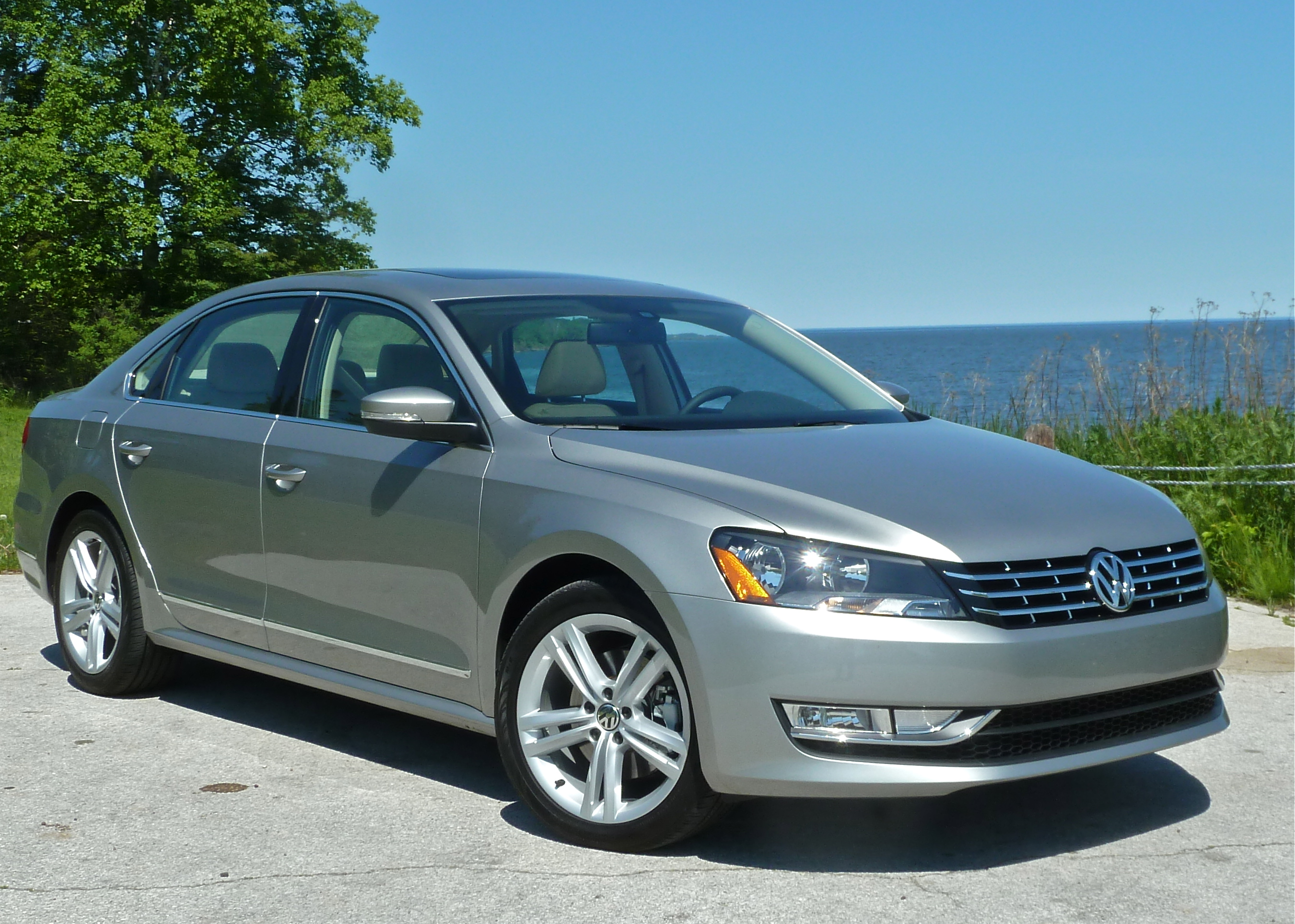 Volkswagen Tdi Mpg Passat Tdi Top Rated For Mpg Power New Car Picks