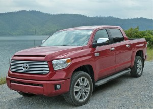 A taller grille and wider stance sets off the 2014 Tundra.