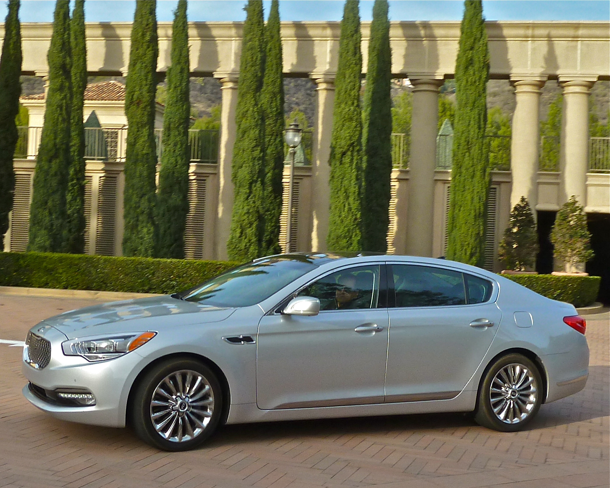 The Resort at Pelican Hills, Newport Coast, California, gave Kia's K900 a perfect backdrop.
