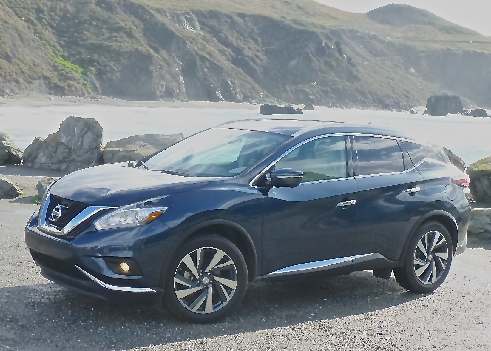 For 2015, Murano gets complete interior and exterior makeover.