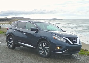 Graceful contours replace the droopy look of the first two Murano generations for 2015.