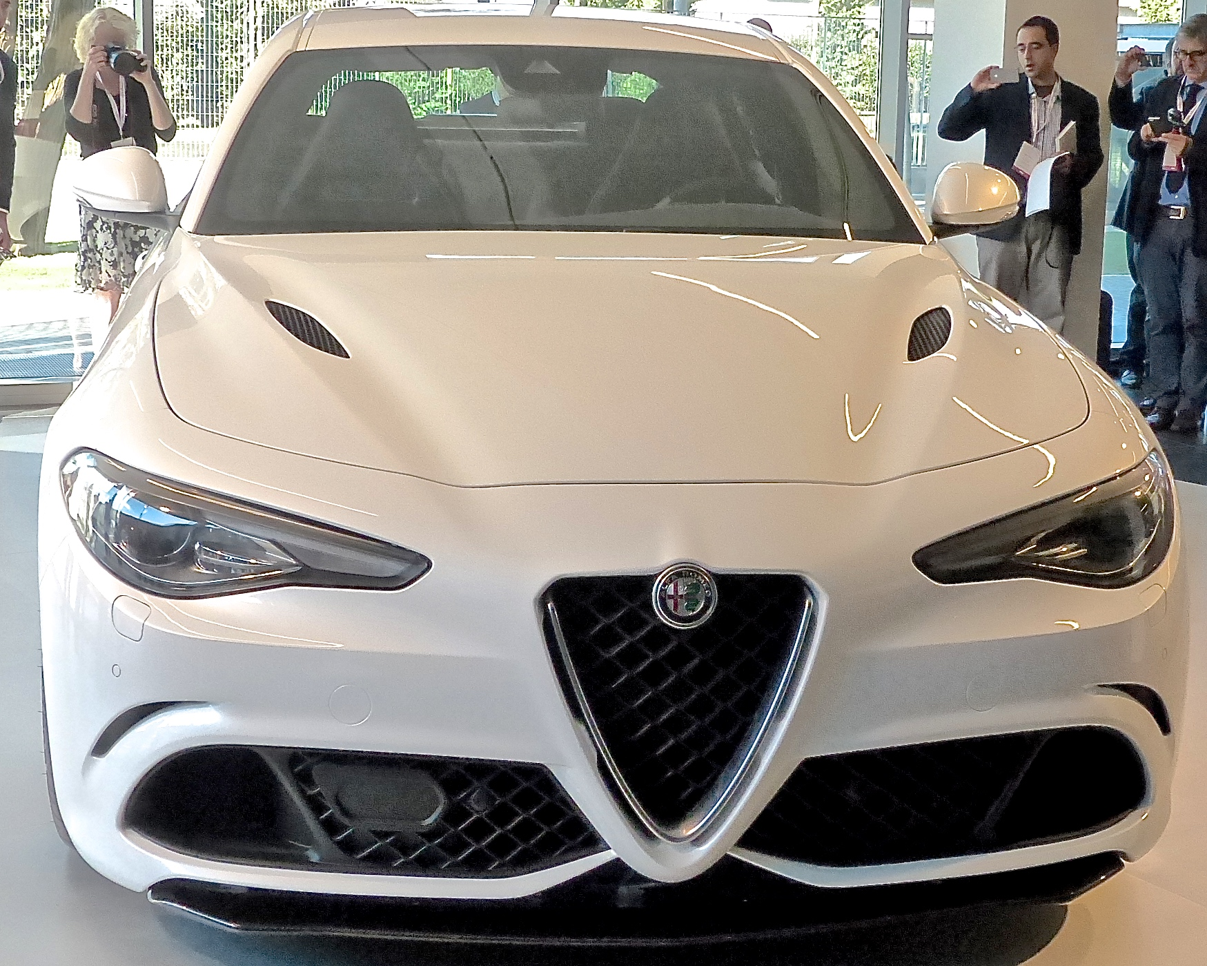 4c car with New Car Introductions on E8 B6 85 E9 AB 98 E6 B8 85 E7 82 AB E9 85 B7 E5 A3 81 E7 BA B8 additionally 10 Acura Logo Wallpaper 8 further Alfa Romeo 8c moreover New Car Introductions in addition Alfa Romeo Gtv.
