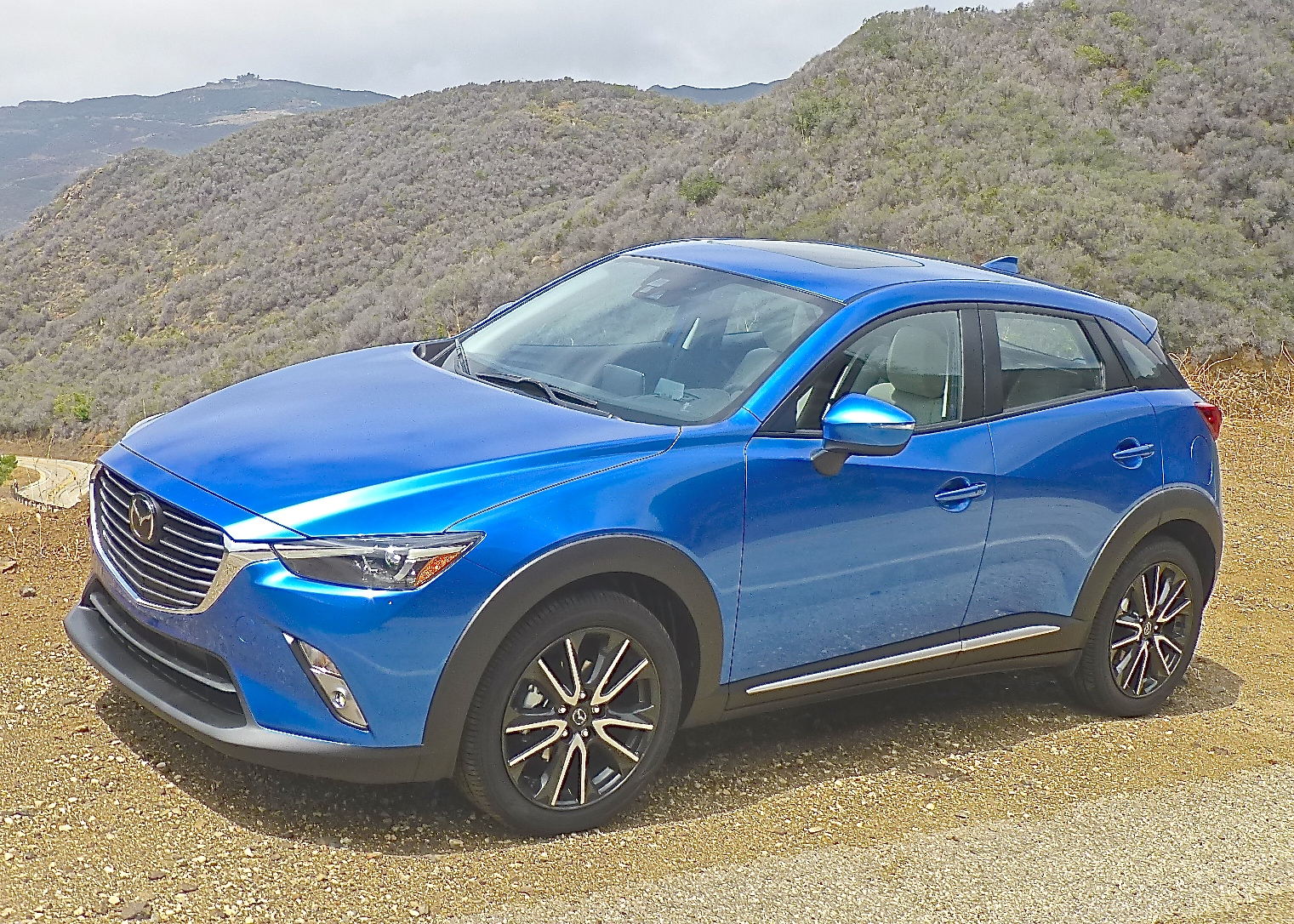 Stylish contours and high-tech features set the 2016 CX-3 atop the new sporty SUV segment..