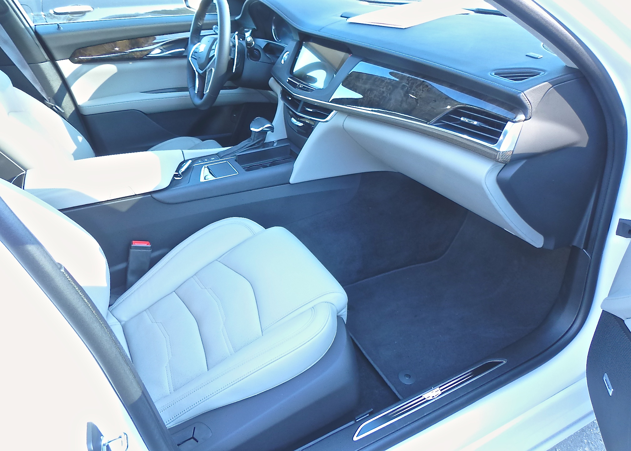 cadillac ct6 comes up large in every way new car picks. Black Bedroom Furniture Sets. Home Design Ideas