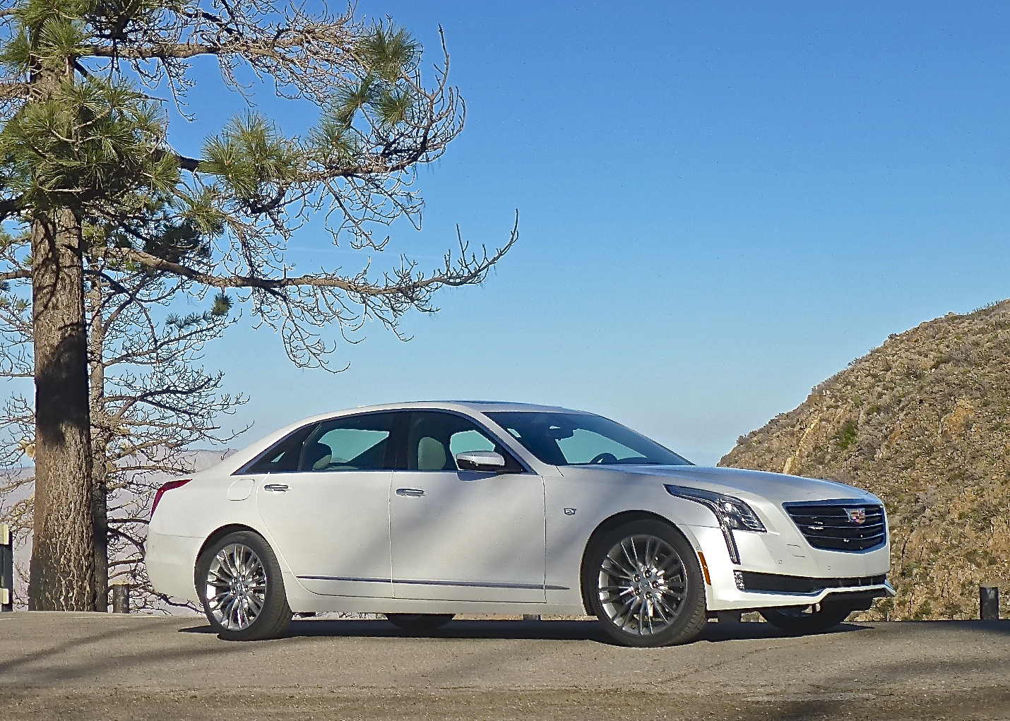 Cadillac CT6 Comes Up Large In Every Way : New Car Picks