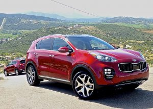 While every company in the world rushed to build compact crossovers, Kia waited for 2017 before bringing out the fourth generation Sportage. The wait was worth it.