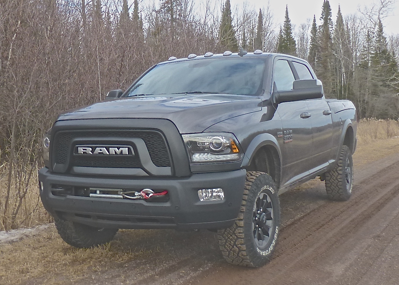 Rugged exterior of Ram 2500 Power Wagon looks imposing, and fulfills that image.