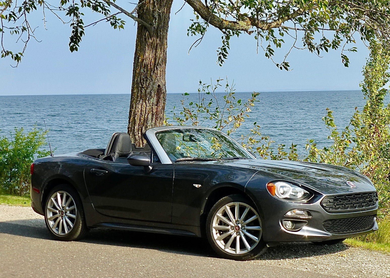 Combining Mazda technology with Italian style makes the Fiat 124 Spider extra appealing.