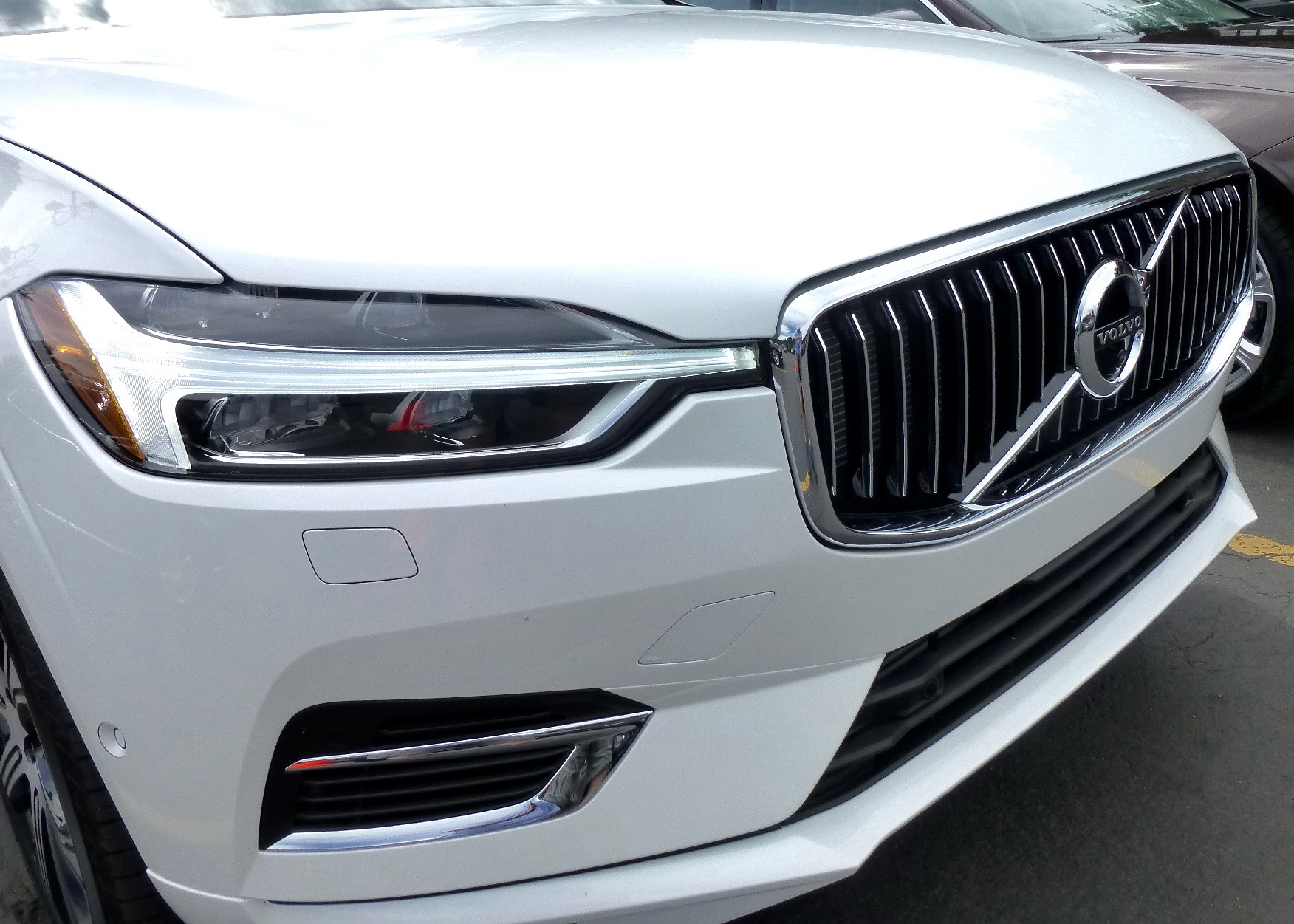 Thor's Hammer light design, familiar grille denote new-breed Volvos.